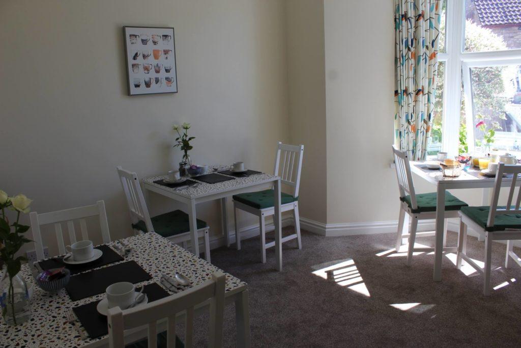 Breakfast Room (8)